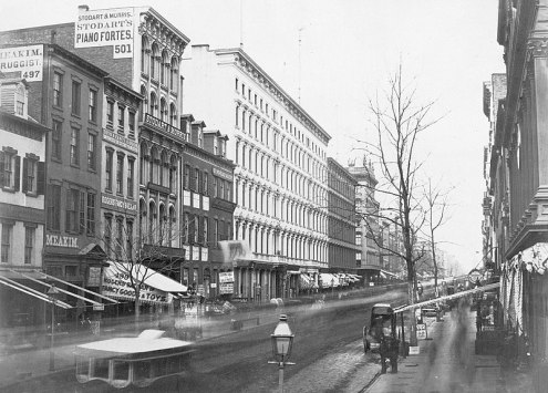 800px-Broadway,_looking_north_from_Broome_Street,_Manhattan_(circa_1853-1855)