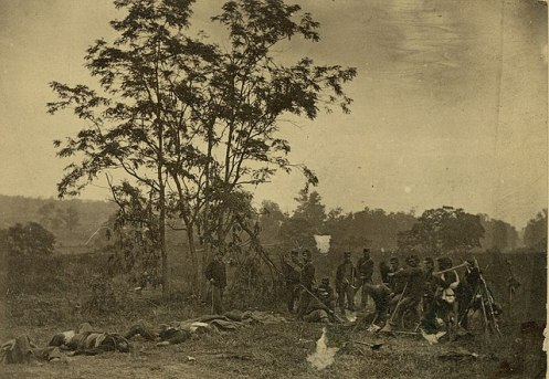640px-Burying_the_Dead_on_the_Battlefield_of_Antietam